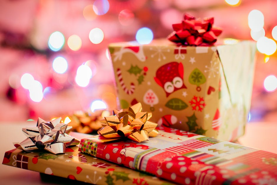 Озвучить новогоднее представление